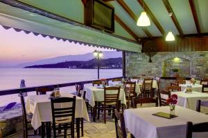 Restaurant, Symmetron Suites: apartments family suites Pelion kalamos beach
